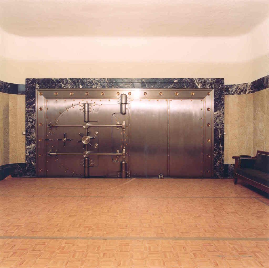 Puerta de la cámara de oro